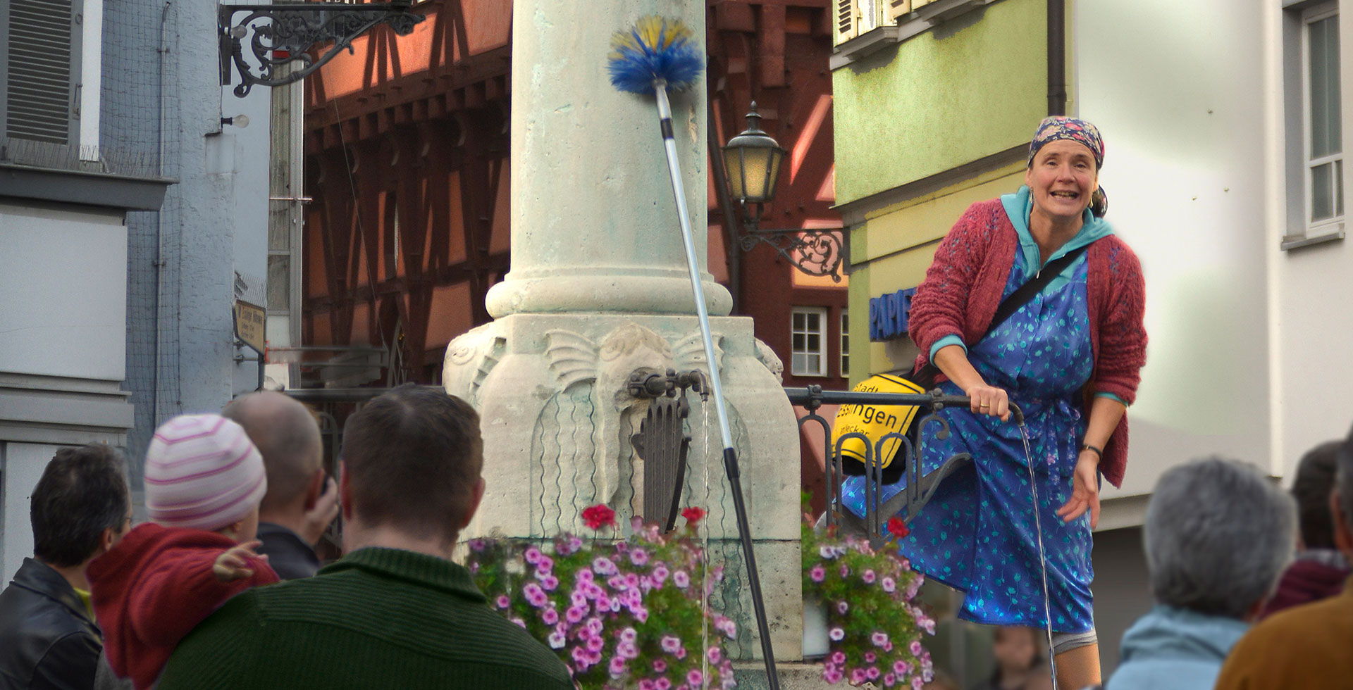 Programm Impression Postmichelbrunnen - ERNA ORIGINAL – Der Theaterspaziergang in Esslingen