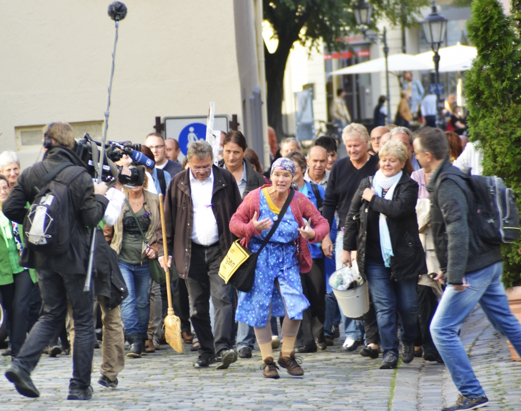 Erna Original haut auf den Putz Stadtputzfrau Esslingen SWR Dreh