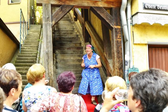 Treppe zur Burg - Programm Impressionen Erna mit Mahl - Kulinarisches Kabarett in Esslingen