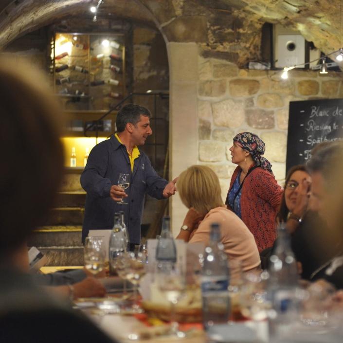 Programm Impression ERNA RUSTIKAL – Mundartkabarett mit Weinprobe