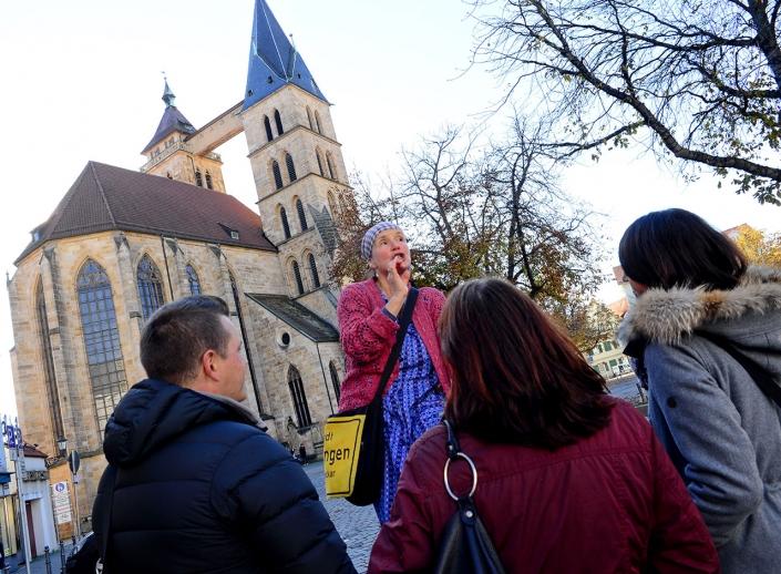 Kabarett Begleitservice Esslingen vor Stadtkirche