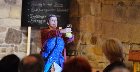 ERNA RUSTIKAL – Weinprogramme Schwätzen, Schlotzen, Nonderputzen